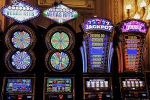 Kokeile onneasi – ja taitojasi – live-kasinolla